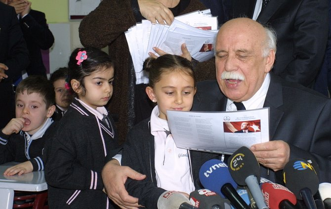 Bakan Avcı'dan velilere: Kötü nottan dolayı çocuklarınıza kızmayın
