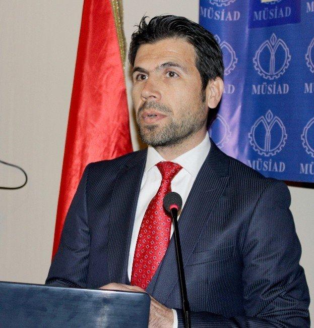 """Akdeniz: """"Akademisyenler Etik Değerleri İle Çelişiyor"""""""