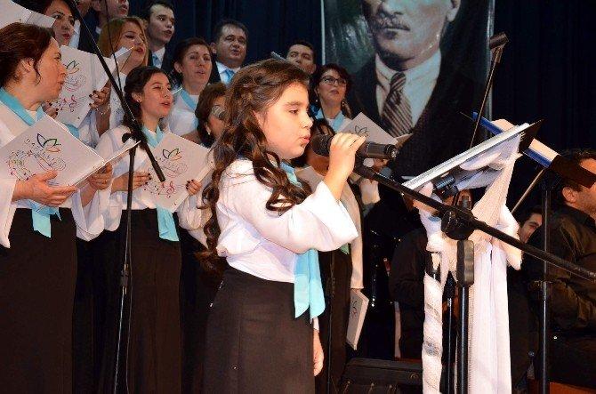Nazilli'de Hastane Korosunun İlk Konseri Beğenildi
