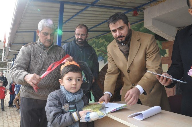 Reyhanlı'da Suriyeli Öğrenciler Karne Aldı
