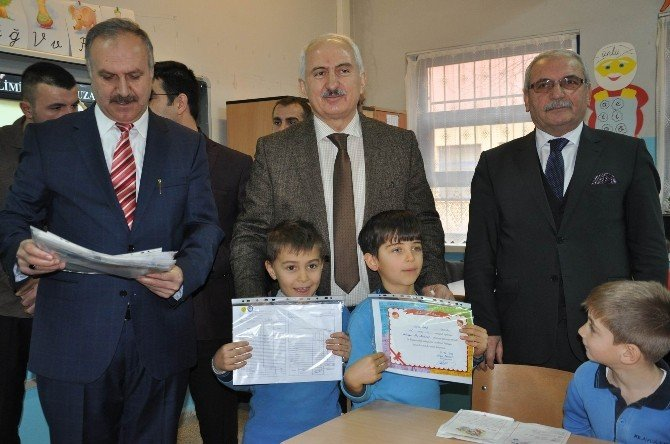 Sivas'ta 118 Bin Öğrenci Karne Heyecanı Yaşadı