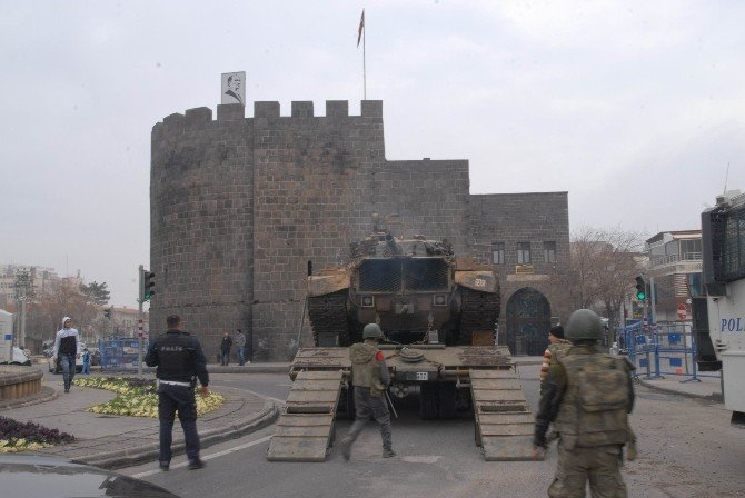 Sur'a Takviye Tanklar Girdi