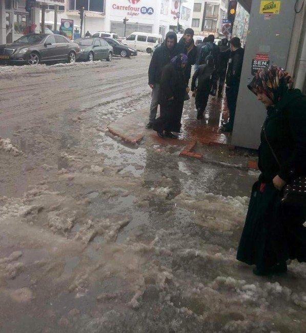 Eriyen Kar Suları Sorgun'u Göle Çevirdi