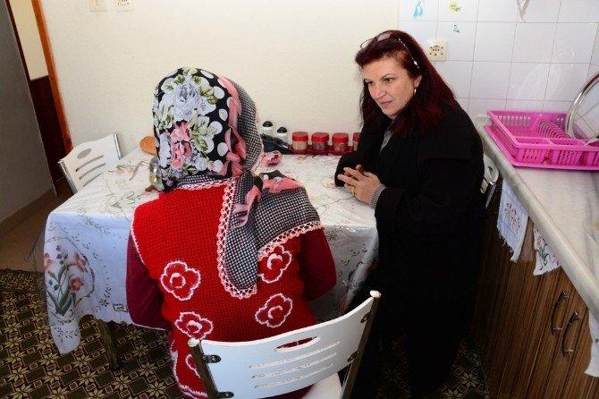 Gülferah Güral Anne Adaylarını Evlerinde Ziyaret Etti