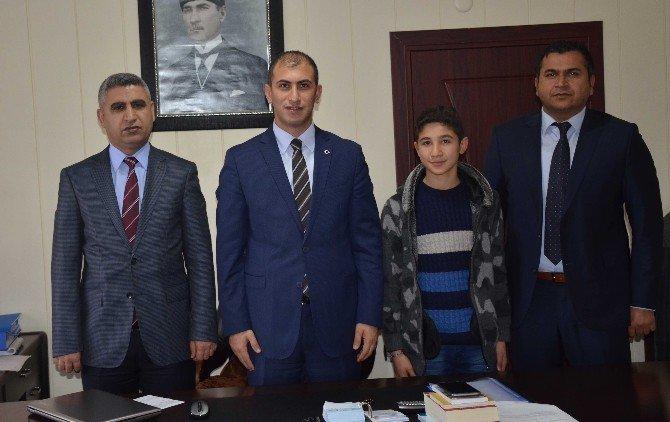 TEOG Türkiye Birincisi Güler, Kaymakam Aksu'yu Ziyaret Etti