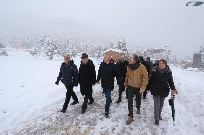 Turistik Oteciler Bağbaşı Yaylası'na Çıktı