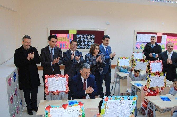 Aydın'da 174 Bin Öğrenci Karnesini Aldı