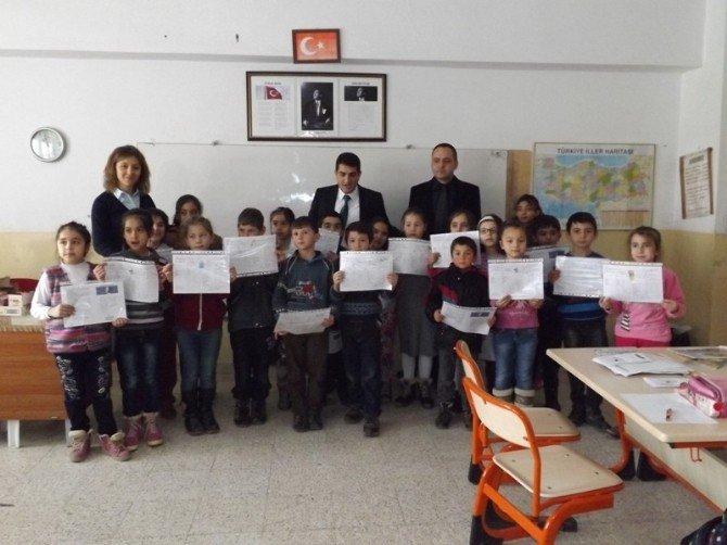 Yenipazar'da Öğrencilerin Karne Sevinci