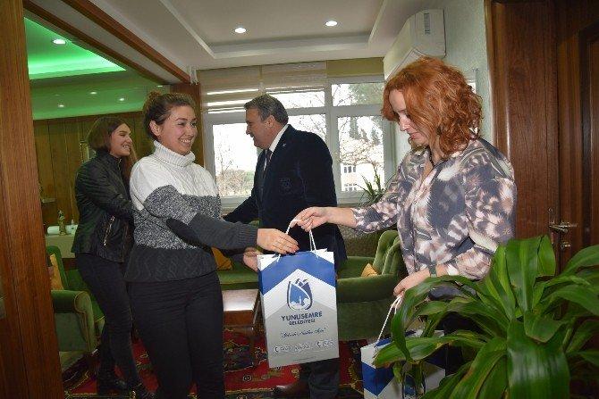 Öğrencilerin İmzaları Başkan Çerçi'de