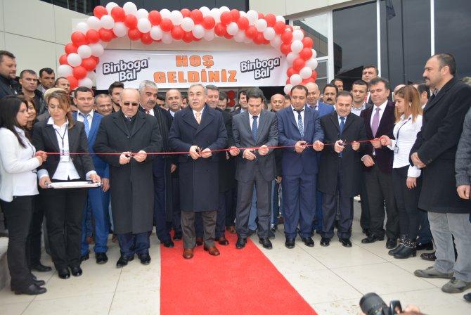 Vali Büyük, Kozan'da yenilenen bal üretim tesisini açtı