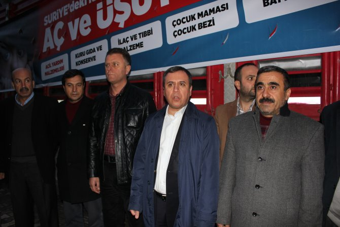 Kâhta'dan Bayırbucak Türkmenlerine 1 TIR yardım