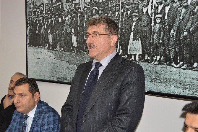Akman, Besni İlçe Teşkilatını Ziyaret Etti