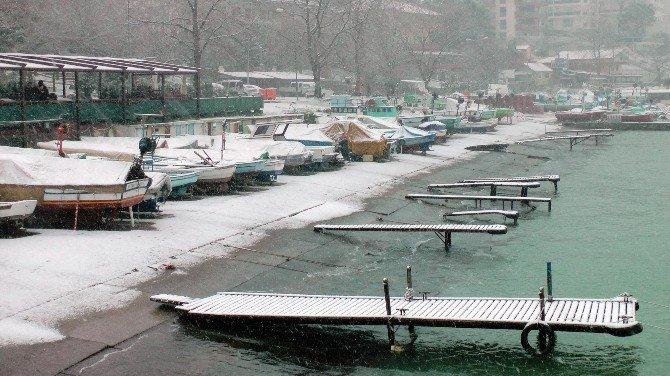 Karadeniz'de Sahiller Bembeyaz