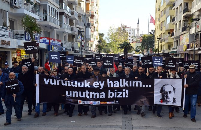 İzmir'de 'Uğur Mumcu' yürüyüşü düzenlendi
