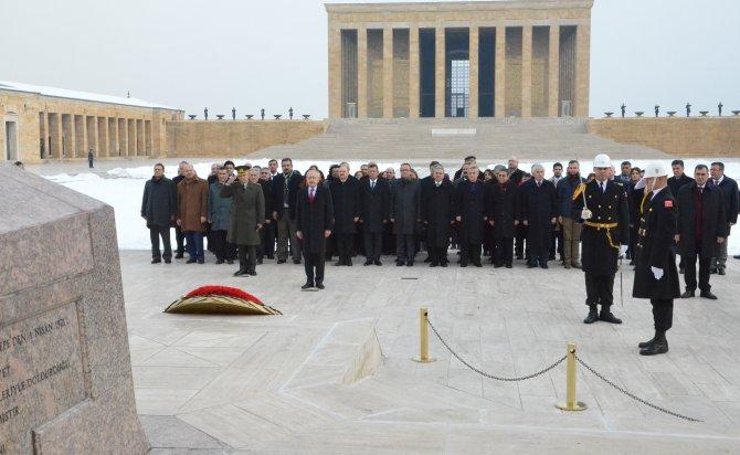 Kemal Kılıçdaroğlu, CHP yeni parti meclisi üyeleriyle Anıtkabir'i ziyaret etti