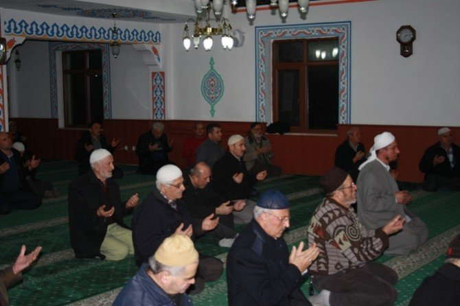 Yeşil Cami'de Hatim Programı Düzenlendi