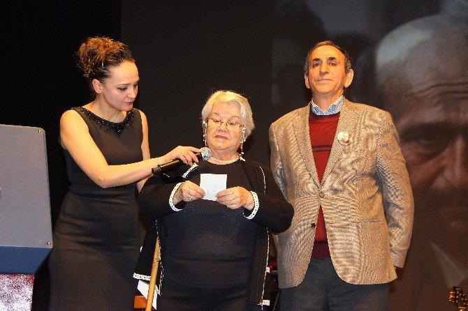 Eskişehir'de Uğur Mumcu'yu Anma Gecesi Ve Ödül Töreni