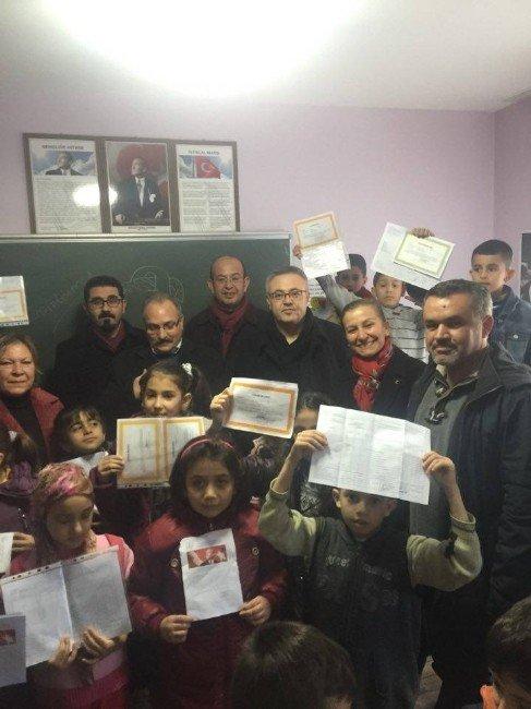 Uşak CHP, Ara Tatile Giren Öğrencilerin Sevincine Ortak Oldu