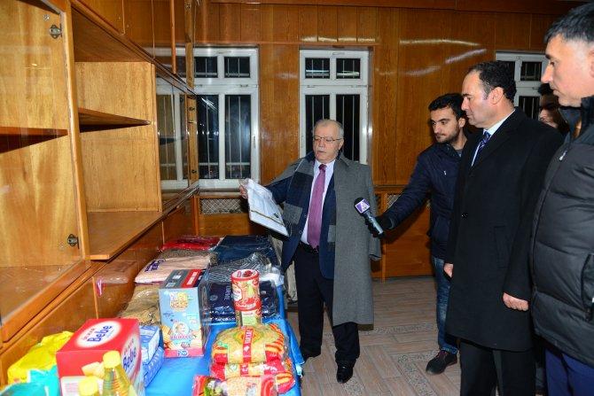 Vali Şentürk: Bayır-Bucak Türkmenleri için vatandaş sırtındaki montu veriyor