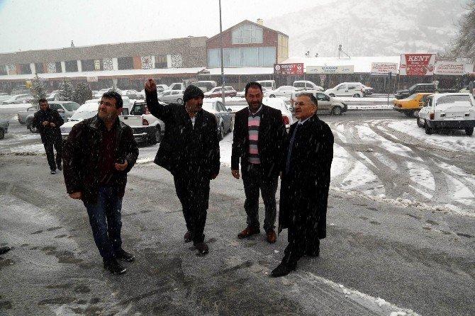 Melikgazi Belediyesi Kar Temizleme Ve Buzlanmaya Karşı 58 Araç Ve 240 Personel İle Çalışıyor