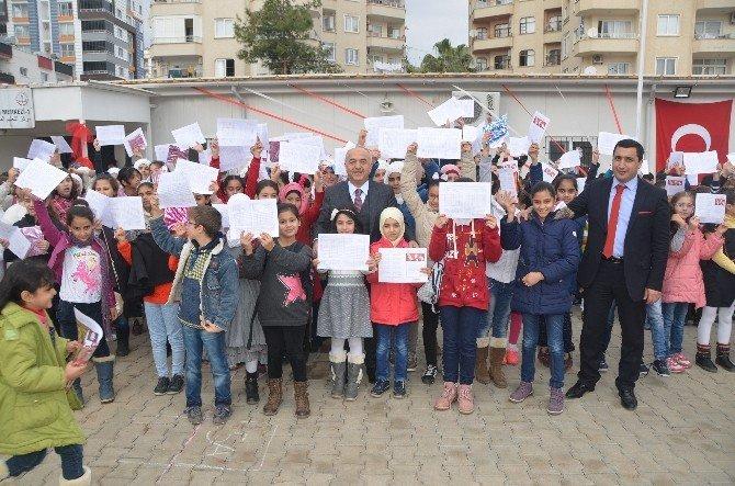 Suriyeli Çocuklar Karnelerini Büyük Ve UNICEF Yetkililerinden Aldı