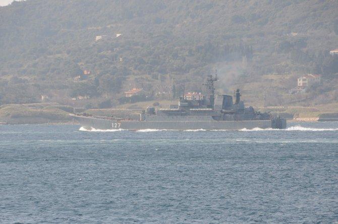 Çanakkale Boğazı'ndan iki Rus savaş gemisi geçti