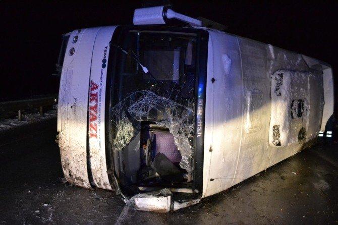 Yolcu Midibüsü Devrildi: 10 Yaralı