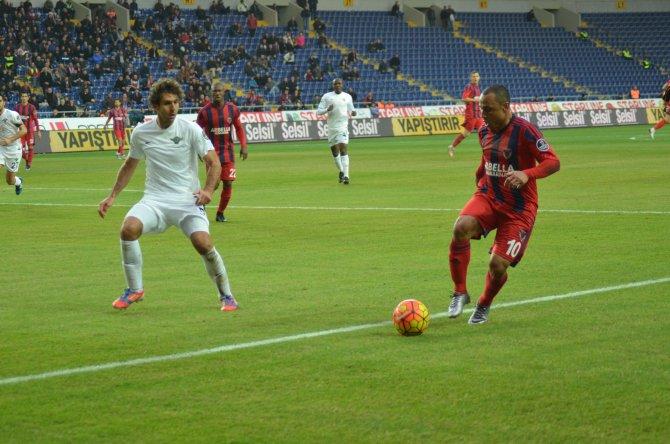 Mersin İdmanyurdu: 0 - Akhisar Belediyespor: 0 (İlk yarı)