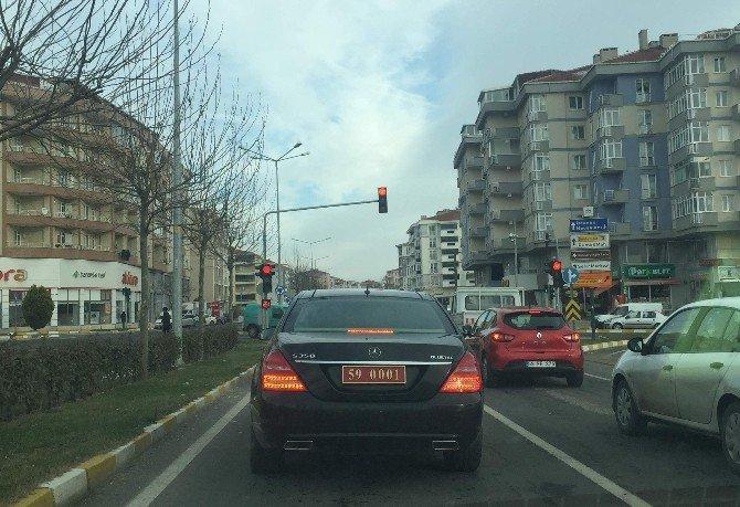 Trafik Kurallarına Uyan Vali