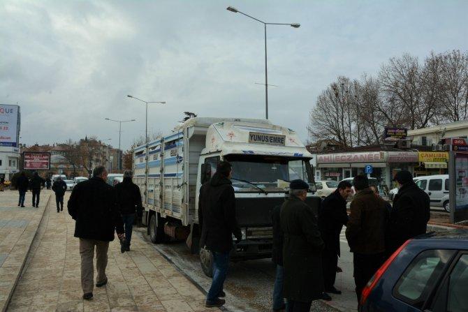 TEMAD'dan Bayır-Bucak Türkmenlerine yardım