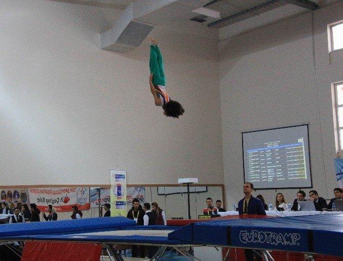 Kulüplerarası Trampolin Cimnastik Şampiyonası Başladı