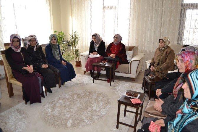 İşitme Engelli Öğrencilerden Müftü Karabayır'a Umre Ziyareti
