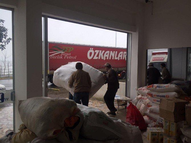 Ünye AK Parti'den Türkmenlere 1 Tır Yardım