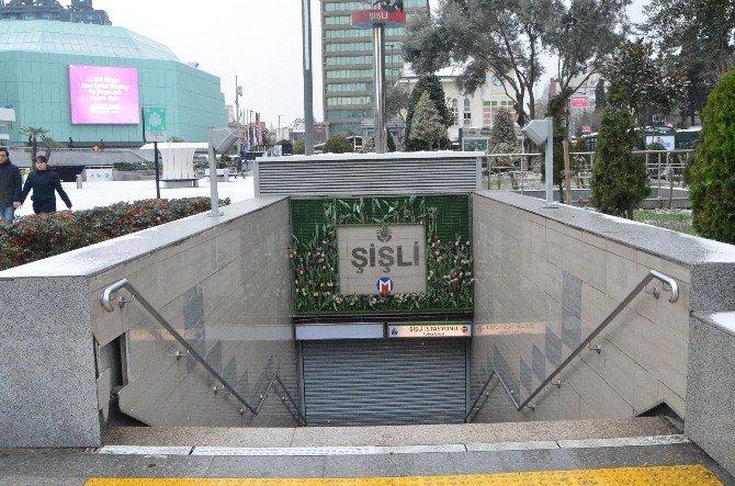 Şüpheli Paket Metro İstasyonunu Kapattırdı