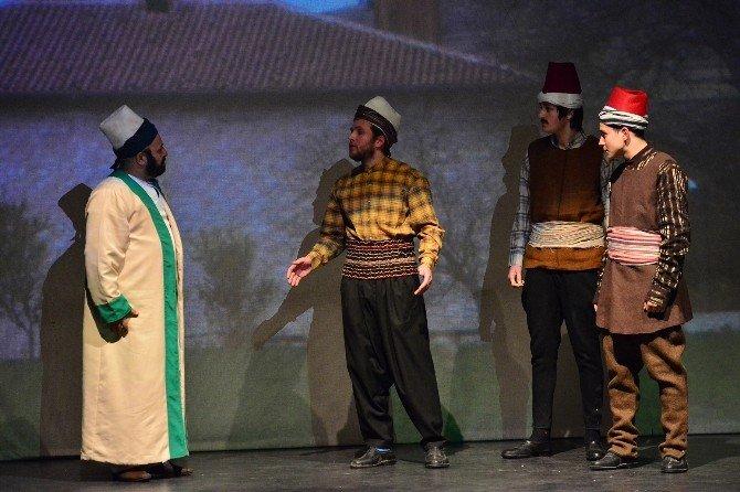 'Emir Sultan' Oyununa Büyük İlgi