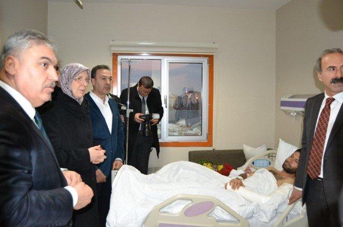 Bakan Ramazanoğlu, Cami İnşaatında Yaralanan İşçileri Ziyaret Etti