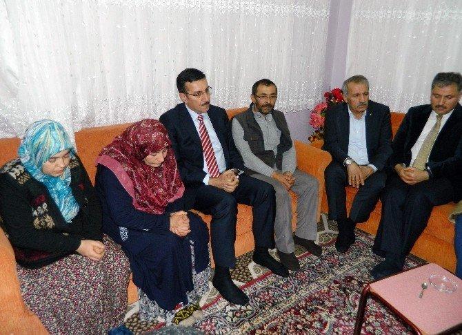 Başbakan Davutoğlu'ndan Acılı Aileye Başsağlığı Telefonu