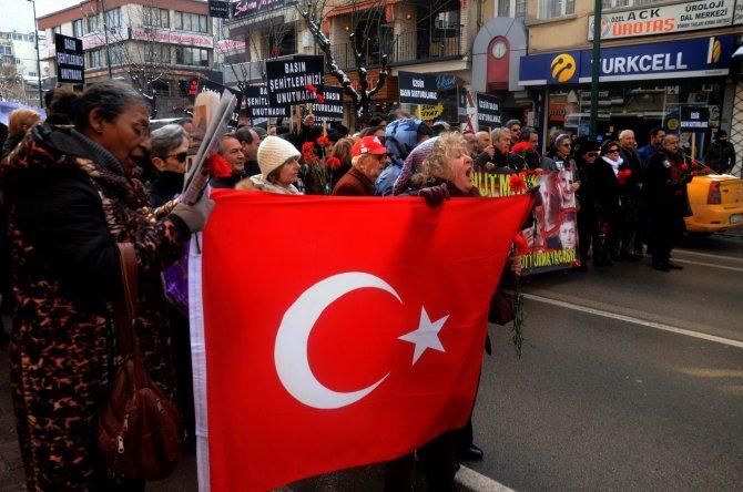 Bursalı gazeteciler 'Uğur Mumcu' için yürüdü