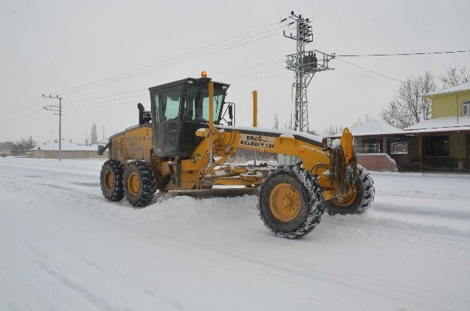 Ereğli Belediyesi'nin Karla Mücadele Çalışmaları Sürüyor