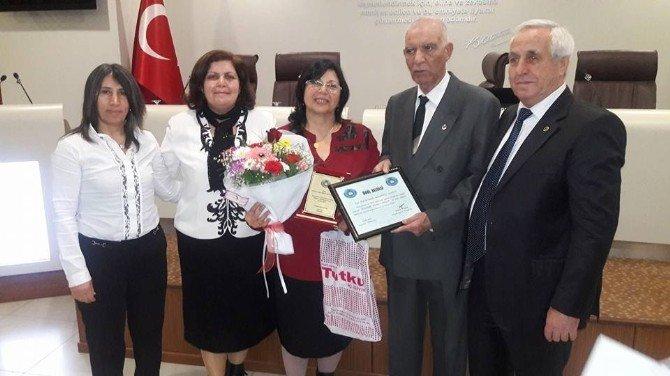 'Porsuk Şiir Akşamları'nda Plaket Ve Onur Ödülleri Verildi