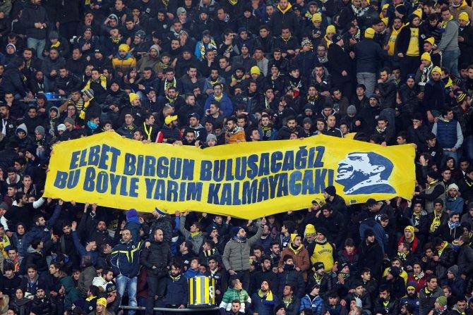 Fenerbahçe: 2 - Çaykur Rizespor: 0 (İlk yarı)
