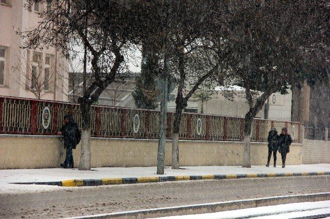 Gaziantep'te Aniden Etkili Olan Dolu Hayatı Felç Etti