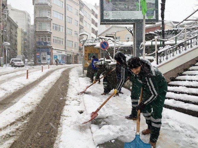Doğu Karadeniz'de Karla Mücadele Aralıksız Sürüyor