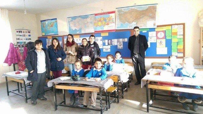 Güvenlik Ortaokulu Öğrencilerinden Köy Okullarına Kültürel Destek