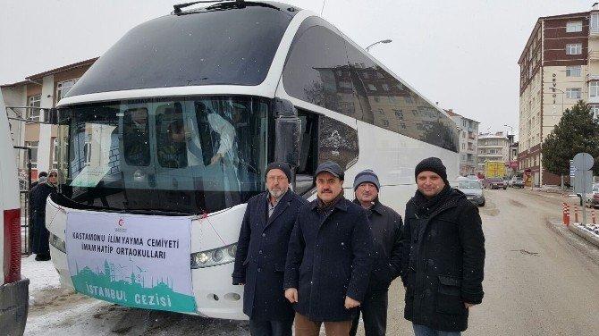 İlim Yayma Cemiyeti 40 Öğrenciyi İstanbul'a Gönderdi