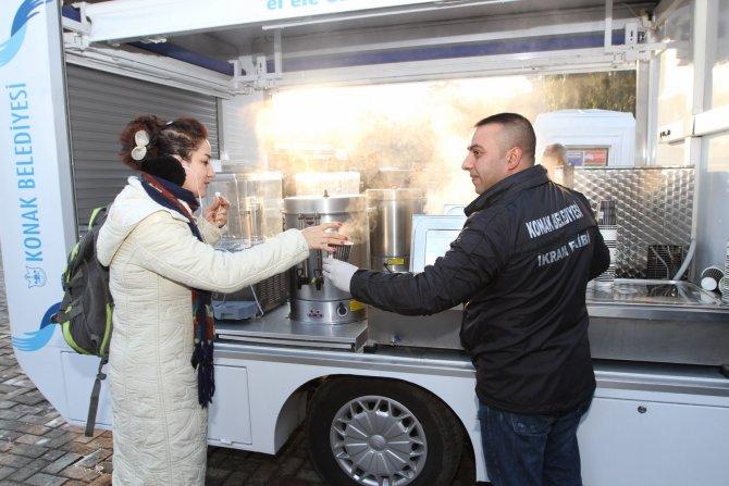 Soğuk havada sıcak çorba servisi