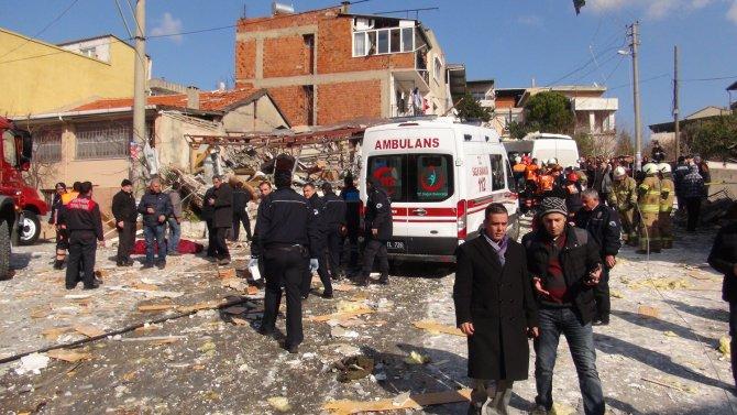 Bir kişinin öldüğü patlama mahalleyi savaş alanına çevirdi