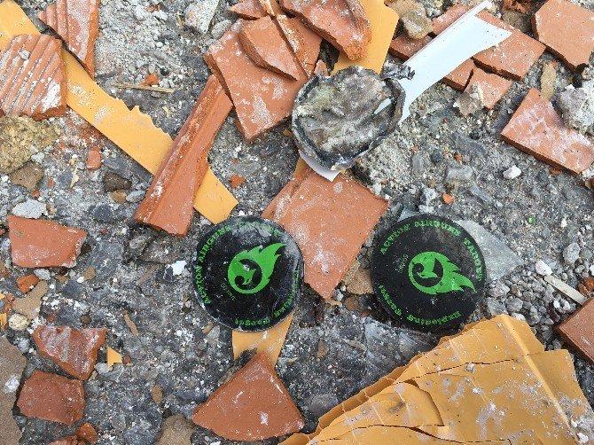 İzmir'deki Patlamada Evden Barut İçeren Parçalar Çıktı