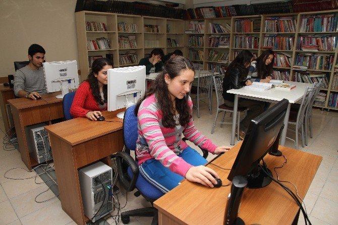 2 Bin Öğrenciye Karne Hediyesi