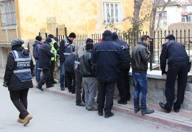Suriyelilere 250 Polisten Asayiş Uygulaması